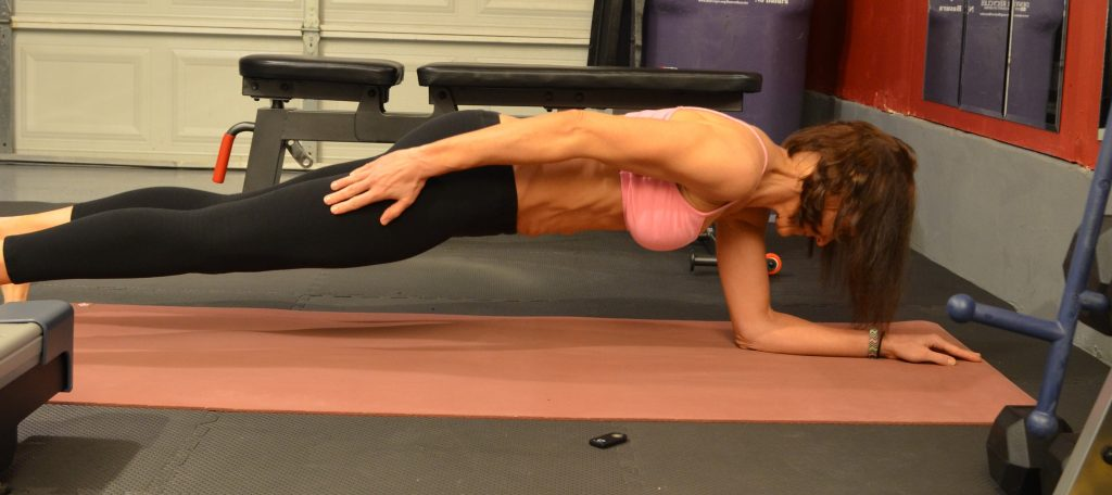 One arm plank